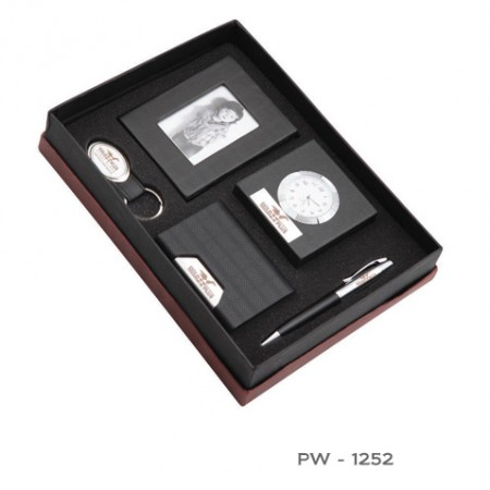 Giftsuncommon - Black Color 5 Piece Corporate Gift Set